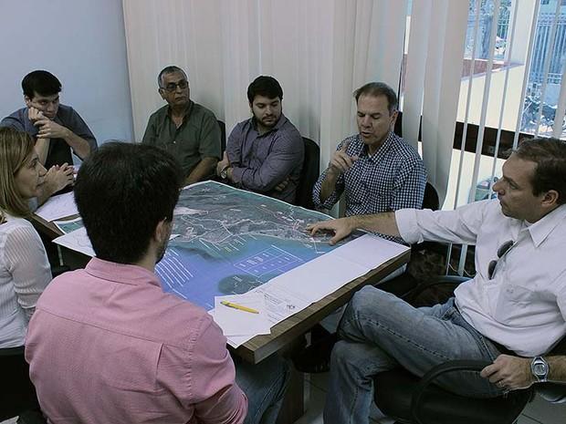 Representes da prefeitura e da empresa responsável se reuniram em Macaé (Foto: Divulgação)