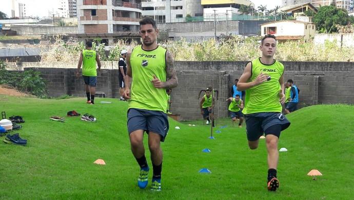 ABC - Romano e Marquinhos, laterais-esquerdos (Foto: Assessoria de Comunicação/ABC FC)