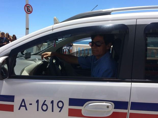 Taxista Josemário Lima, que atua há 18 anos em Salvador (Foto: Henrique Mendes / G1)