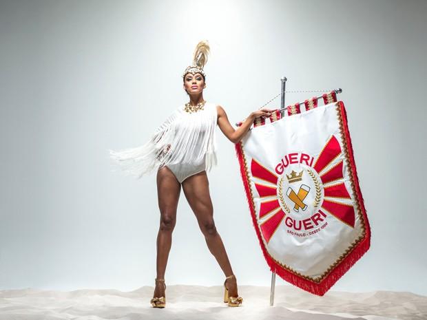 Raissa Santana em estúdio como Rainha do Gueri-Gueri (Foto: Pedro Dimitrow)