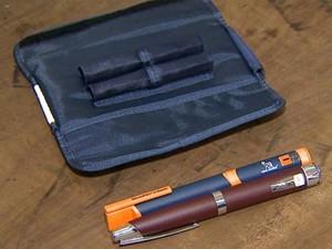 Canetas de insulina usadas no tratamento de Joaquim estão com a polícia (Foto: Reprodução/EPTV)