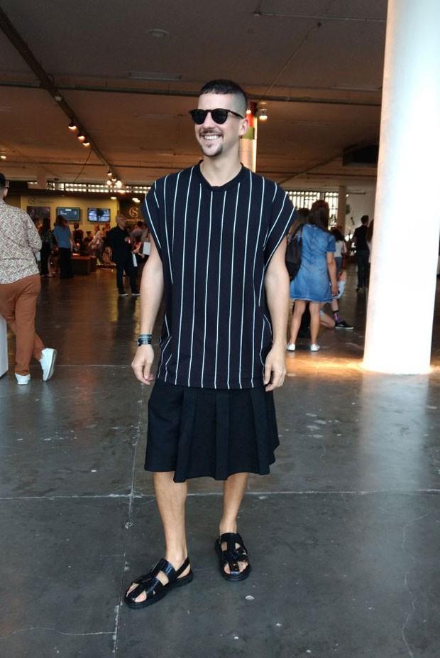 Caio Braz sempre por dentro das tendências (Foto: Gabriel Feriani)