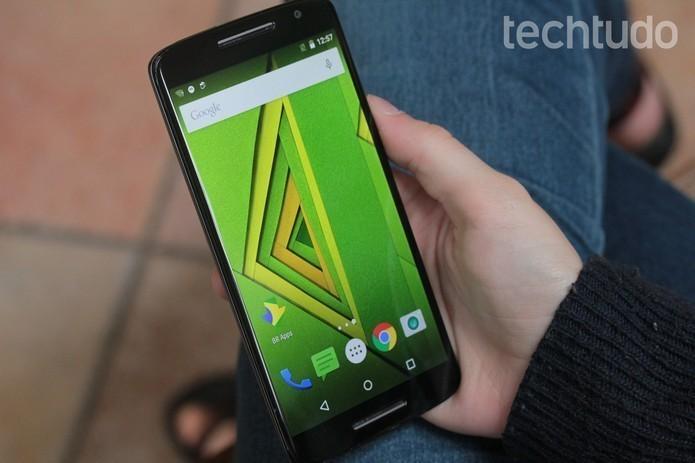 Tela do Moto X Play também possui 5,5 polegadas e é Full HD (Foto: Marlon Câmara/TechTudo)