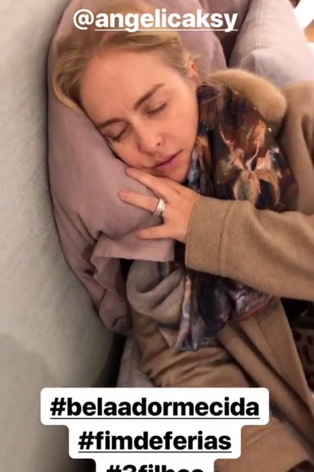 Angélica dormindo (Foto: Reprodução/Instagram)
