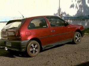 Carro usado pelo casal passará por perícia com uso de luminol (Foto: Reprodução/EPTV)
