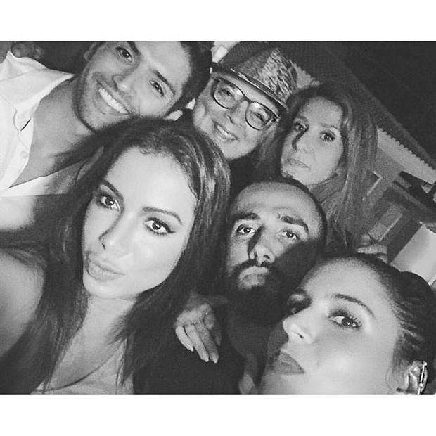 Anitta, Yan Aciolli, Marina Morena, Zé Pedro (Foto: Reprodução/Instagram)