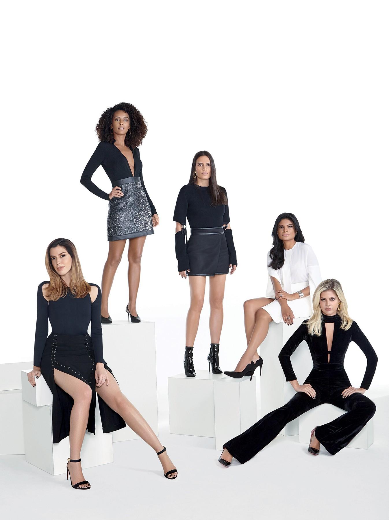 Renata França (de branco) entre as clientes fiéis Lala Rudge, Cassia Avila, Taís Araújo e Camila Coutinho (Foto: Rogério Cavalcanti)