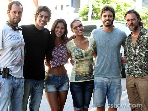 Os atores posaram para a foto no intervalo das gravações (Foto: Pedro Curi / TV Globo)