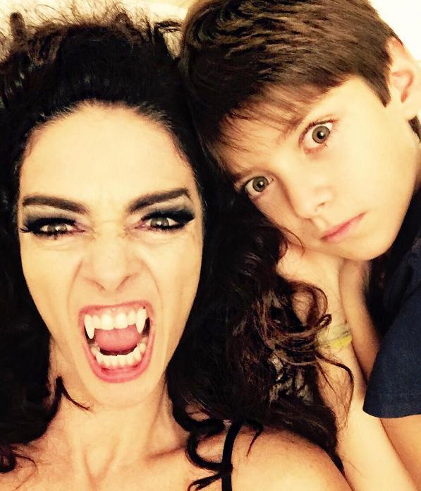 Cláudia Ohana e o neto, Martin (Foto: Reprodução / Instagram)