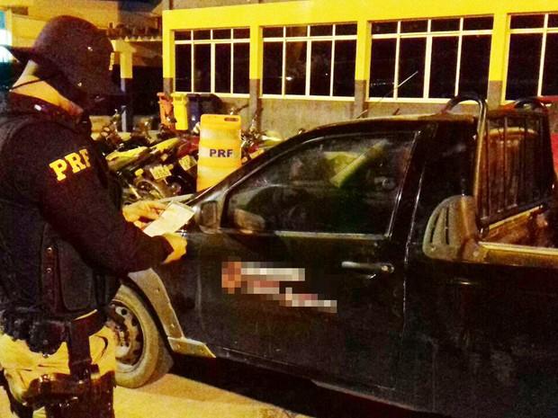 Picape com mais de R$ 47 mil em multas foi apreendido na Chapada Diamantina (Foto: Divulgação/Polícia Rodoviária Federal)