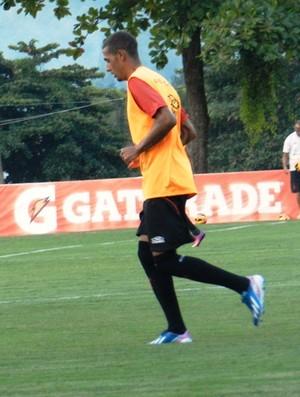 Paulinho treino Flamengo (Foto: Cahê Mota)