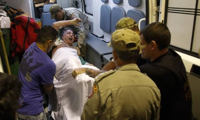 O ex-governador Antony Garotinho é transferido do hospital municipal Souza Aguiar para presídio em Bangu  (Foto:  Alexandre Cassiano / Agência O Globo)