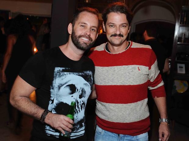 Leo Marçal e Marcelo Serrado em festa na Zona Sul do Rio (Foto: Ari Kaye/ Divulgação)