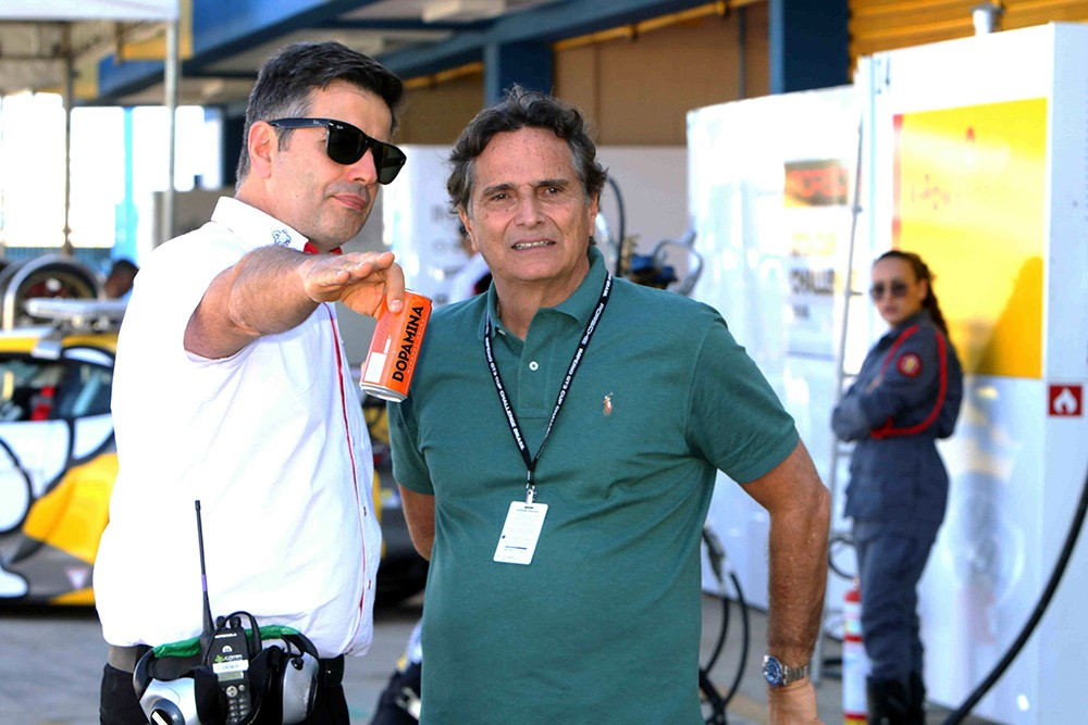 Dener Pires e Nelson Piquet nos 300 km em Goiânia (Foto: Divulgação/Luca Bassani/Porsche Império GT3)