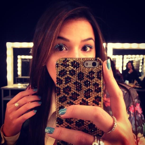 Bruna Marquezine nos bastidores do Fashion Rio (Foto: Instagram/ Reprodução)