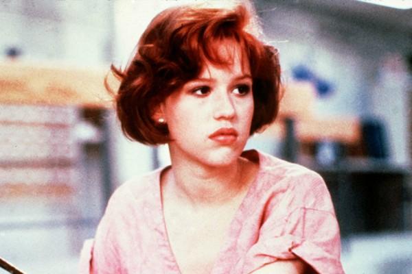 A atriz Molly Ringwald em O Clube dos Cinco (1985) (Foto: Reprodução)
