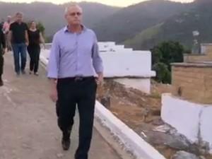 Secretário de Segurança do RJ compareceu no enterro de sargento da PM morto na Providência (Foto: Reprodução/TV Globo)