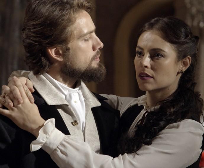 Melissa quebra o clima entre Lívia e Felipe (Foto: TV Globo)