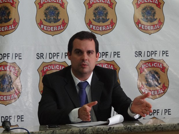 Delegado Eduardo Passos apresentou o caso (Foto: Katherine Coutinho/G1)