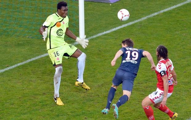 Gameiro, Paris Saint German e Reims (Foto: Agência AFP)