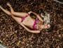 Leticia Santiago planeja aniversário de casamento: 'Farei dança do ventre'