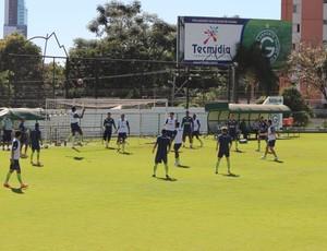 Goiás faz treino leve antes de enfrentar o Bragantino (Foto: Fernando Vasconcelos / GLOBOESPORTE.COM)