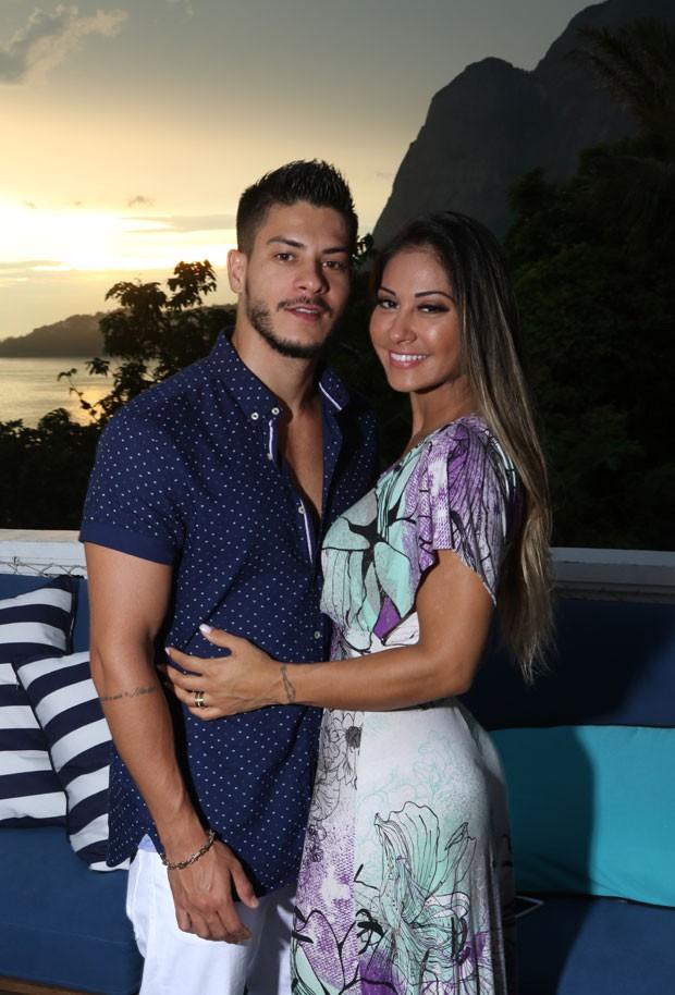 Arthur Aguiar e Mayra Cardi no Sunset (Foto: Daniel Janssens / Ed.Globo)