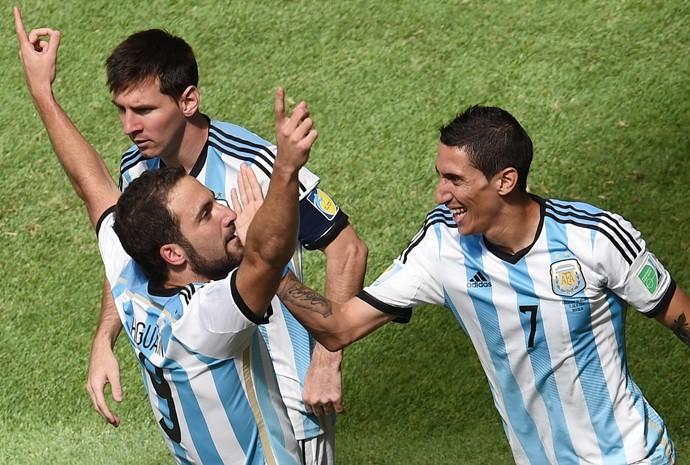 Dí Maria, Higuaín e Messi no jogo contra Bélgica pelas quartas de finais da Copa