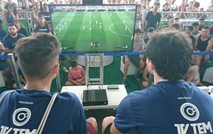 Estudante de 14 anos é campeão do FIFA na 8ª edição do TEM GAMES (Foto: Francine Galdino/G1)