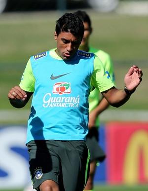 paulinho brasil treino (Foto: Hueler Andrey / Mowa Press)