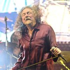 Robert Plant escorrega no 'toque étnico' (Marcelo Brandt/G1)