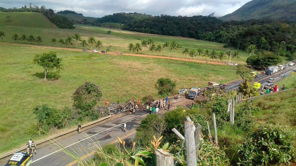 Acidente grave em Guarapari, no Espírito Santo (Foto: PRF-ES)