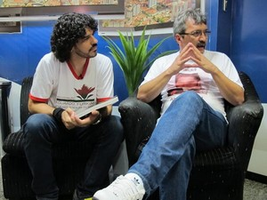 Alexandre Camilo e Ogier Rosado durante encontro em Santos (Foto: Mariane Rossi/G1)