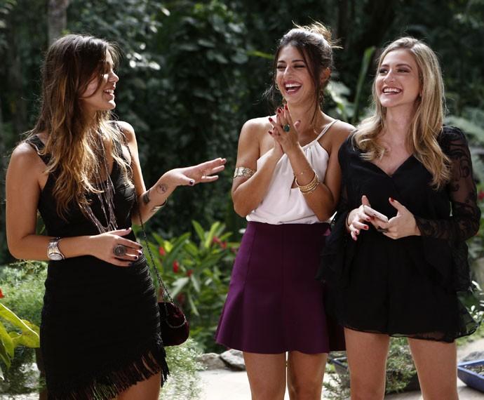 As atrizes se divertem durante PapoReto especial de moda (Foto: Inacio Moraes / Gshow)
