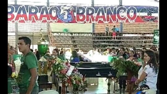 Corpo do jogador Lucas Gomes é velado em Bragança, nordeste do PA