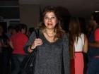 Roberta Miranda usa minissaia para ir a show de Luiza Possi