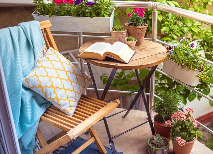 Flores na varanda sempre dão um toque especial (Foto: Divulgação)