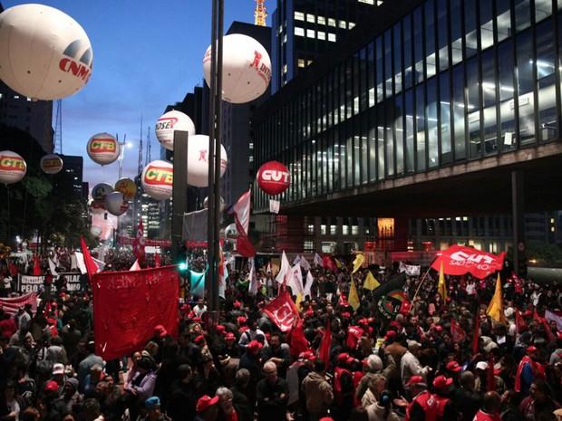 Ato contra governo Temer ocupa Avenida Paulista, na região central de SP (Foto: Marcelo Brandt/G1)