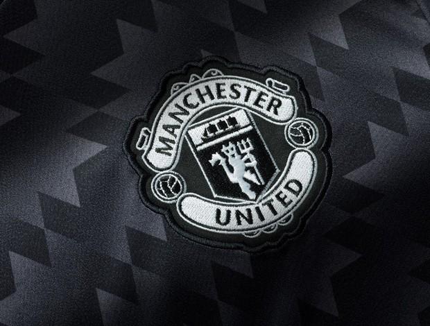 Inspirado Em 1992, Manchester United Lança Camisa Preta A