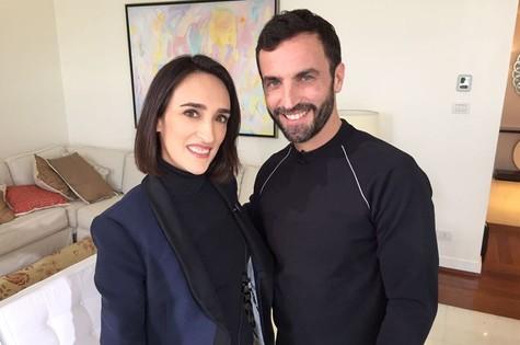 Maria Prata e o estilista Nicolas Ghesquière (Foto: Divulgação)