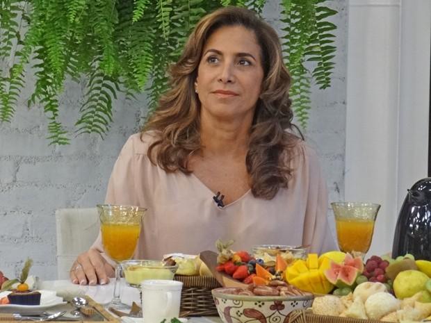 'Só me davam papel de boazinha', disse Totia Meirelles durante café com Ana Maria (Foto: Mais Você / TV Globo)
