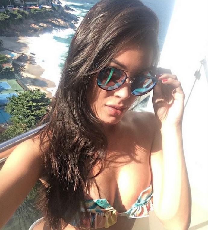 Camila Oliveira praia Rio de Janeiro ring girl UFC