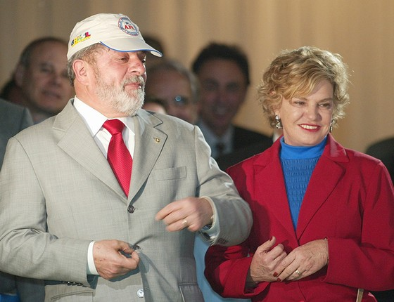 O presidente Lula, ao lado de dona Marisa, durante abertura do I Congresso Nacional de Arranjos Produtivos Locais. (Foto:  Ailton de Freitas/Agência O Globo)