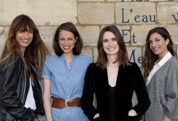 """Caroline de Maigret, Anne Berest, Sophie Mas e Audrey Diwan, autoras de """"Como Ser uma Parisiense em Qualquer Lugar do Mundo"""" (Foto: Divulgação)"""