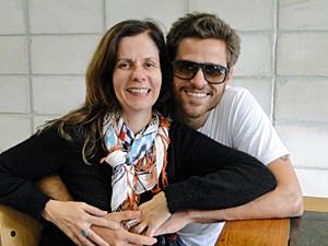 Vera Freitas e Alejandro estudam as cenas juntos (Foto: Malhação / TV Globo)