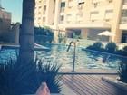Andressa Urach curte dia de piscina: 'Recomeçando a viver'