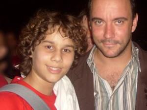 Gabriel Levan e um de seus ídolos, o cantor Dave Matthews (Foto: Arquivo Pessoal)