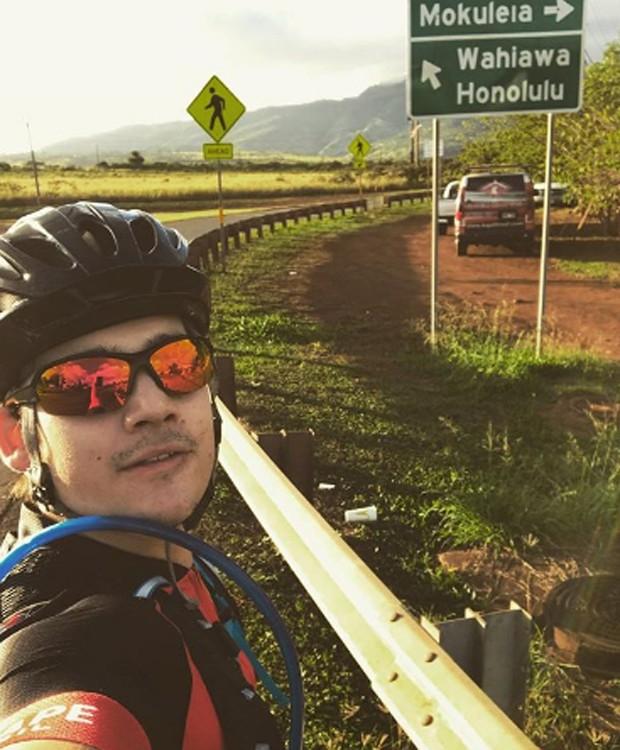 Nicolas Prattes pratica ciclismo (Foto: Reprodução/Instagram)