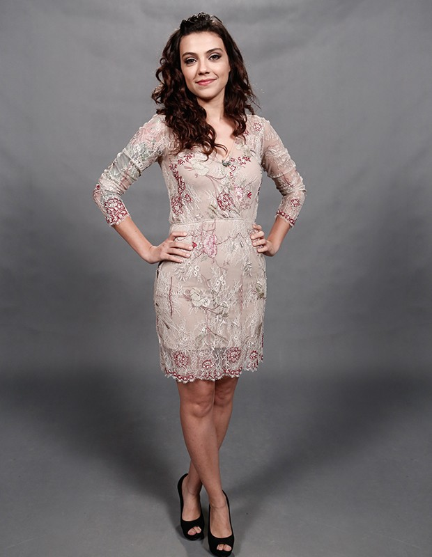 Letícia Persiles arrasa com look romântico (Foto: Inácio Moraes/Gshow)