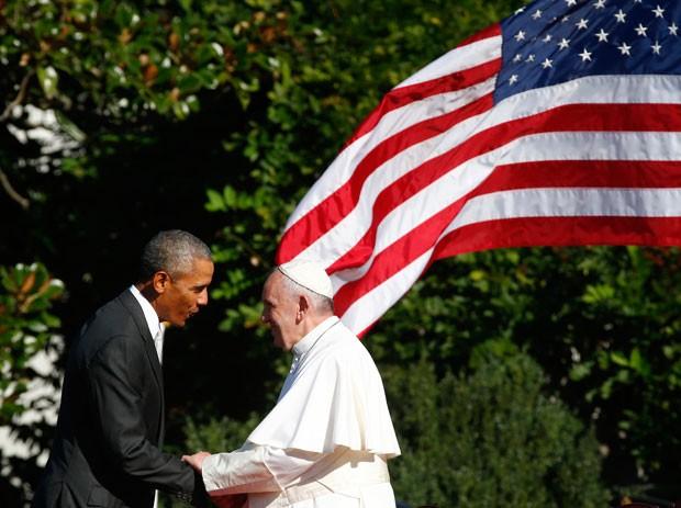 Além da importância política, país de Obama tem hoje a 4ª maior população de súditos de Francisco (Foto: Tony Gentile/AP)
